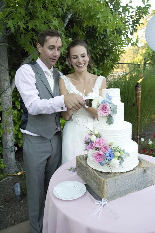 "Jody Gullickson Photography....."" Beautiful blooms on a vegan cake"""