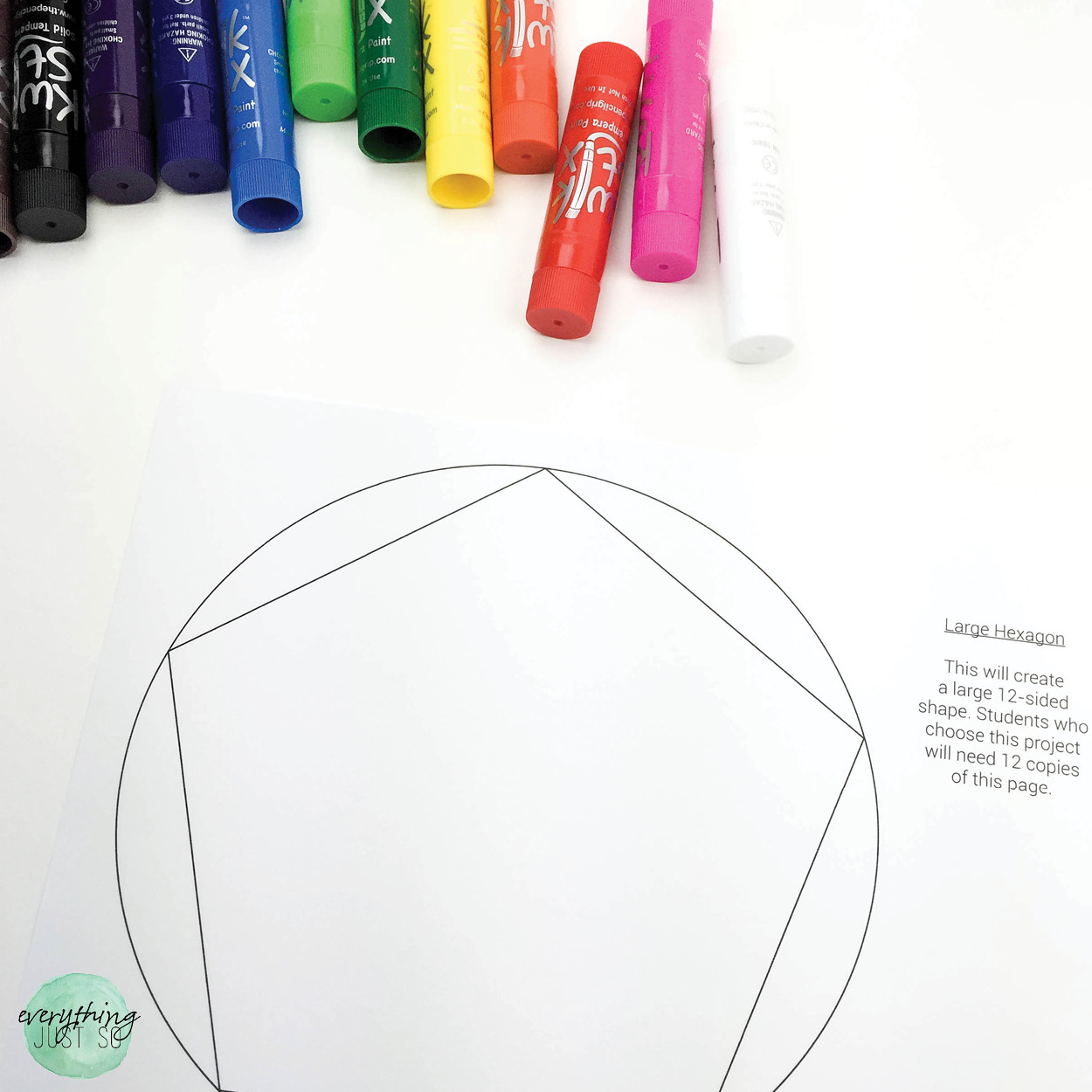 The Best Tool for Art Projects I Have Ever Seen | Love art projects but hate the mess? Use this painting tool and never have a mess again. | everythingjustso.org