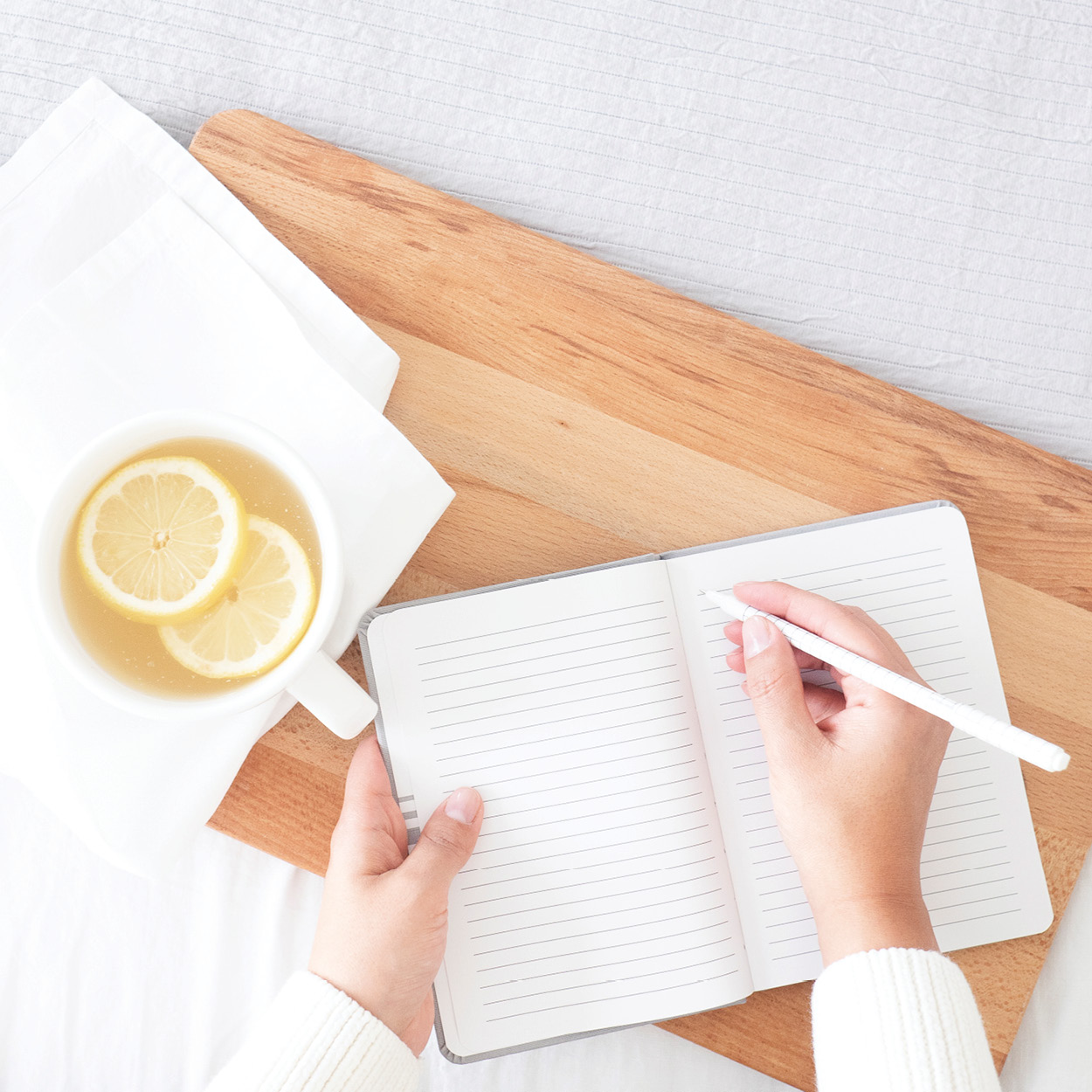 Simple Self Care Tips for Teachers | This school year, make it a goal to prioritize self care. Here are seven simple ways to get started. | everythingjustso.org