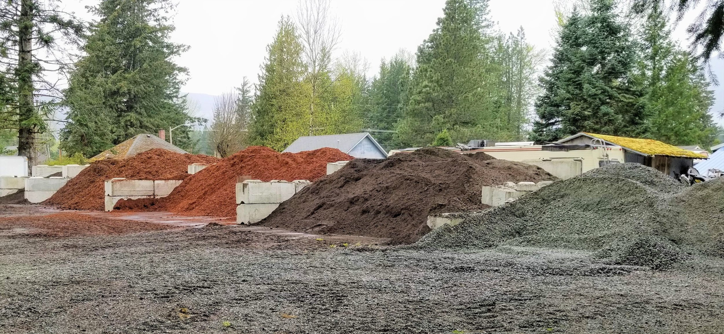 "5/8"" and 1 1/4"" Crushed Rock $37 yd  Lawn Starter Top Soil $34.55 yd  Dark Hemlock Bark $35.30 yd  Red Hemlock Bark $33.10 yd  $25 Delivery to Packwood/Randle, up to 6 yds"