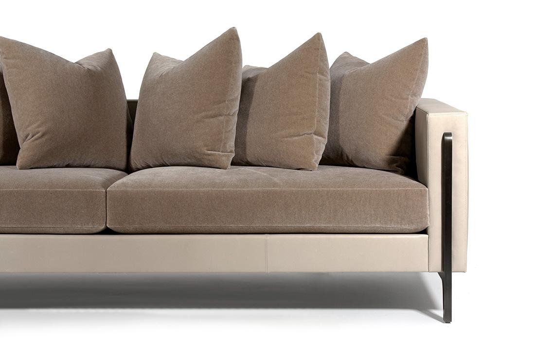 ELLIOT-EAKIN-Furniture_Adeline-Sofa_Detail-Leg.jpg