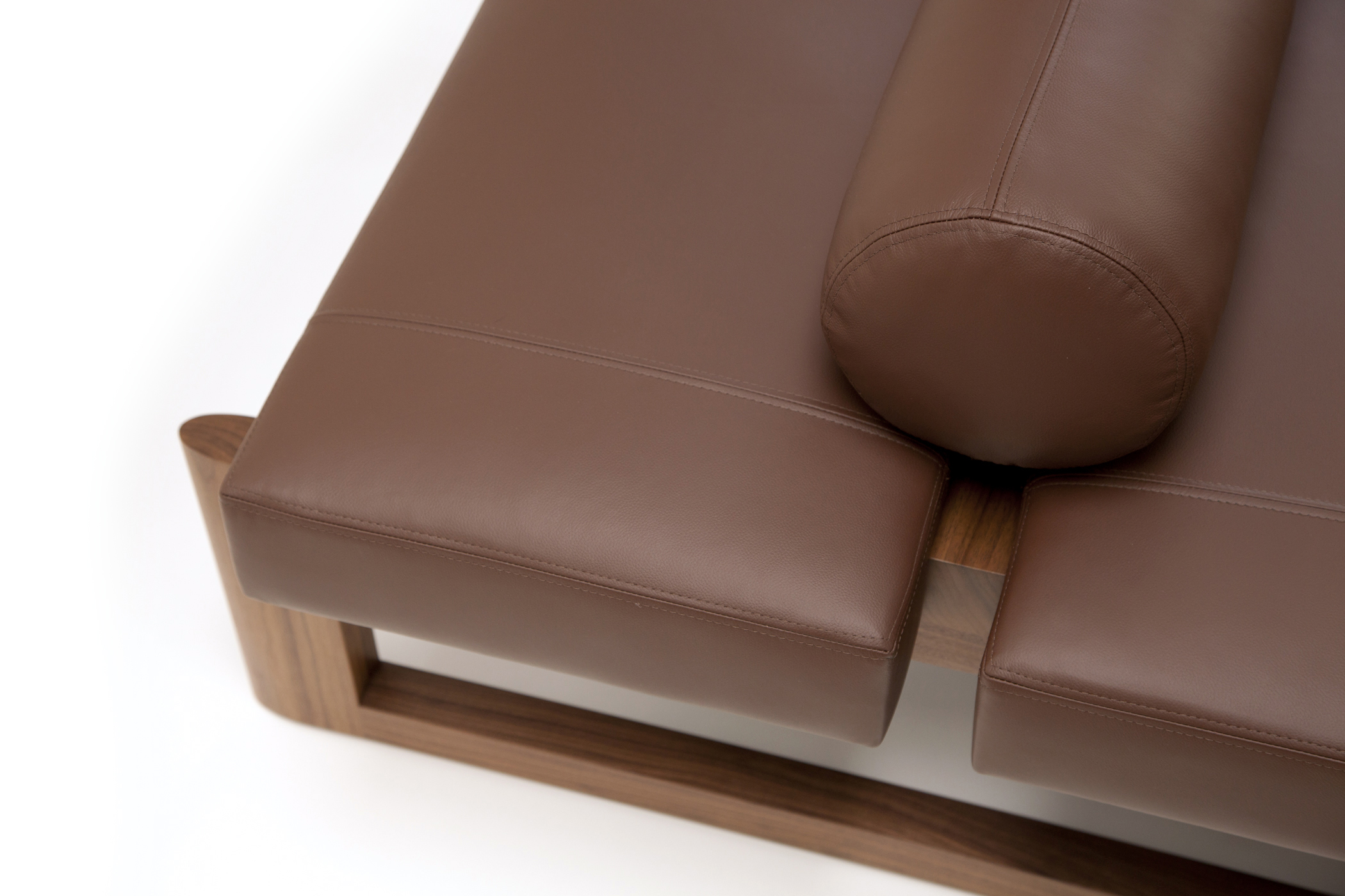USHER DAYBED