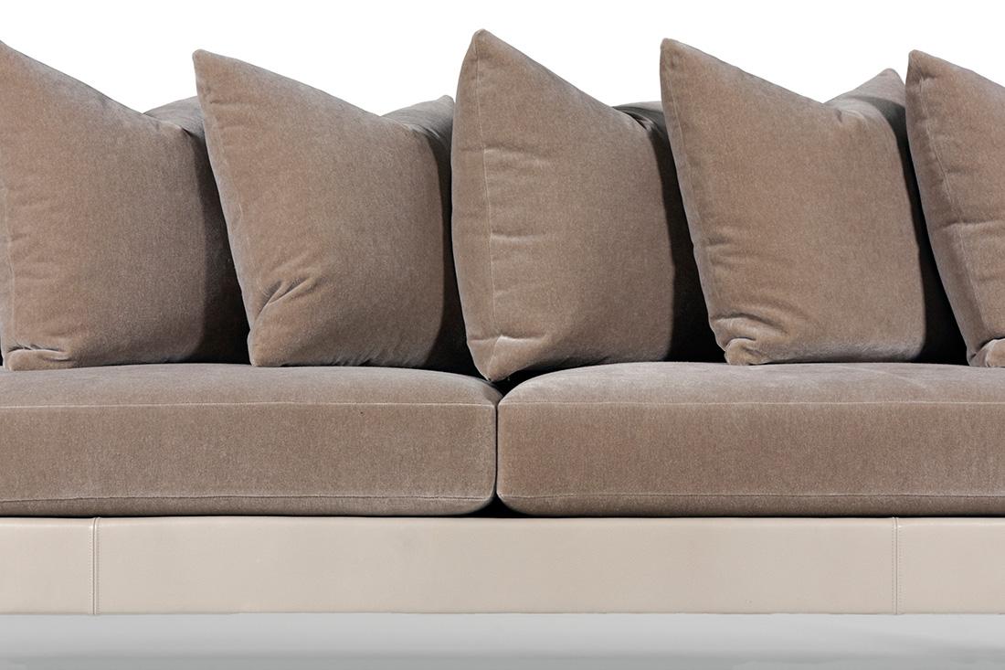 ELLIOT-EAKIN-Furniture_Adeline-Sofa_Detail-Middle.jpg