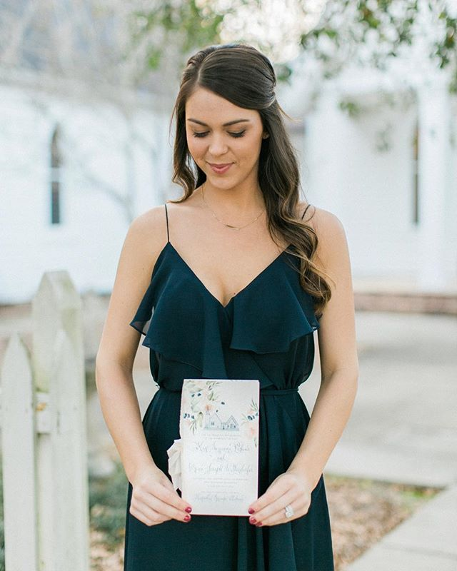 Happy wedding day to all the beautiful brides and the handsome grooms! 💕 #karaanne_paper #weddingprogram #custompaper #calligraphy #theknot #calligraphy