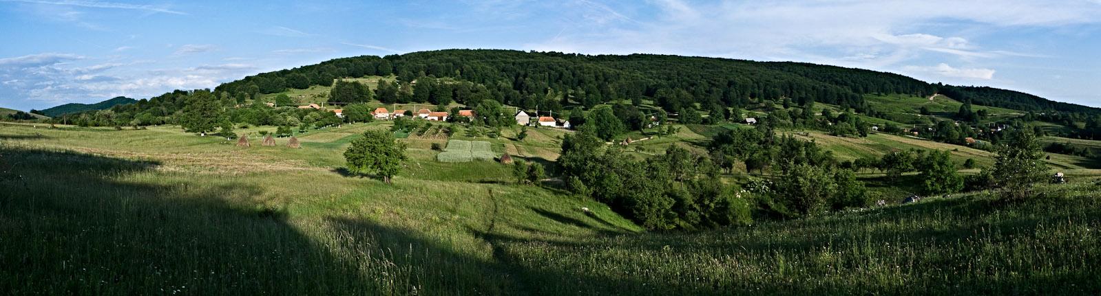 Zece_Panorama_Via_APP_2lumshrp3030.jpg