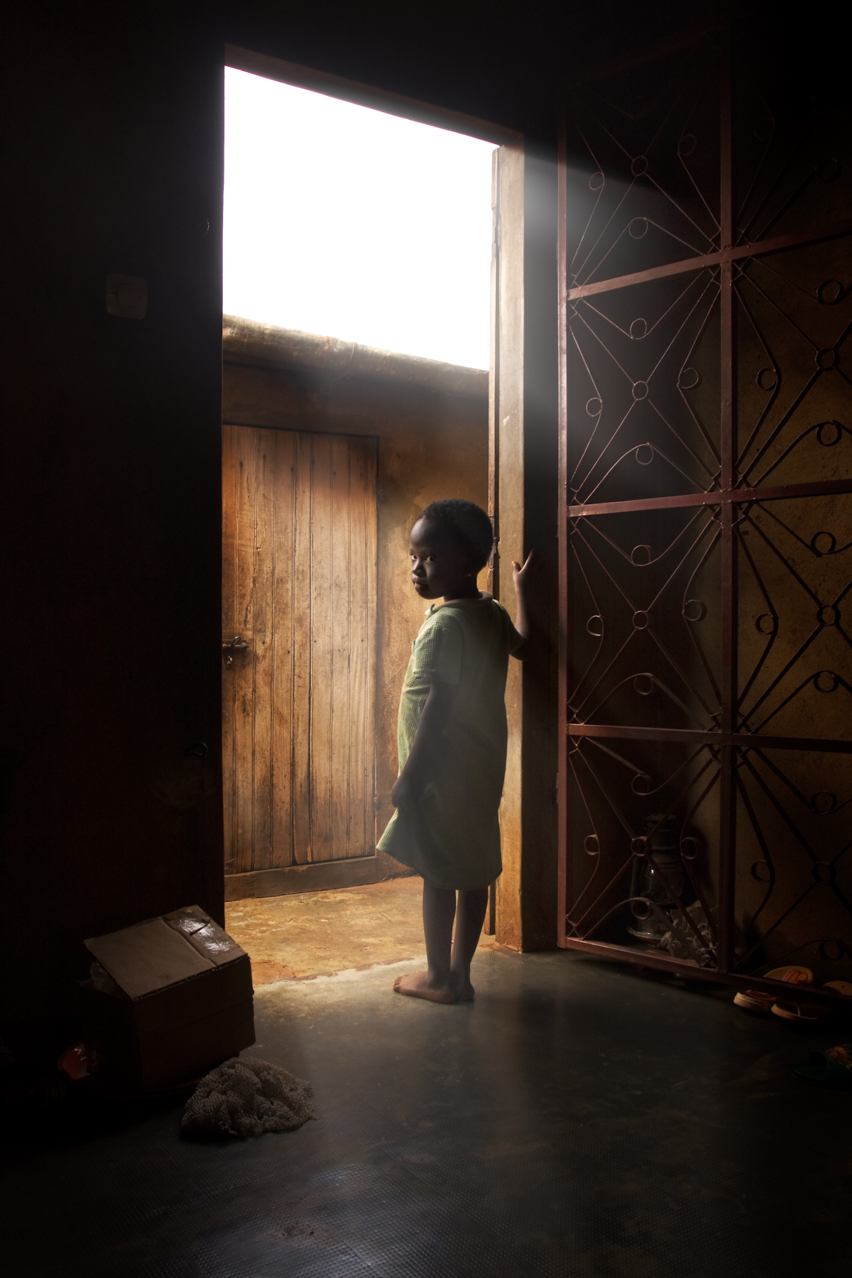 Juju in the doorway, Ketou.