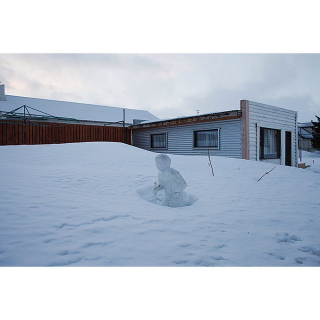 "66°04'18.9""N 18°39'06.6""W, 26/12/2014, 1356 Backyard statue, Ólafsvegur, Ólafsfjörður, Iceland #statue #backyard #snow #walking #winter #thaw #Iceland"