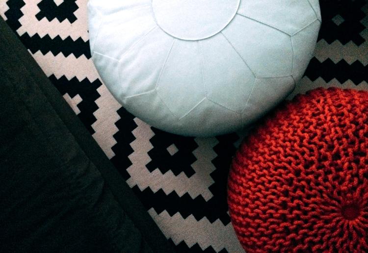 floor_poufs.jpg