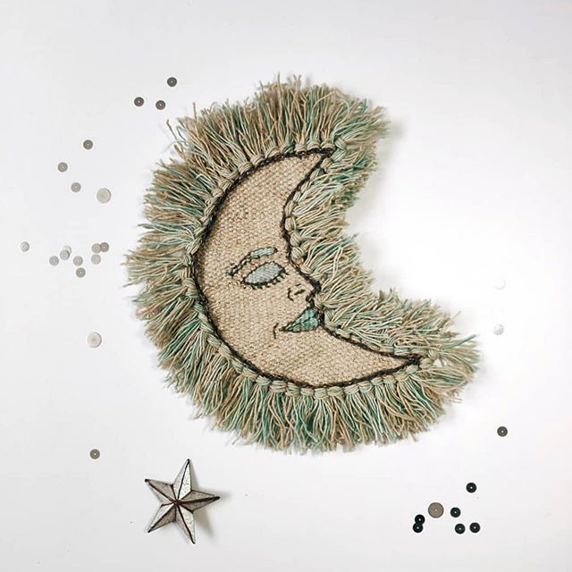 One of the most beautiful works of art I've seen in a while via @wanderingcoastcollective 🌙 #moonchild #weaving #wovenart #artisan