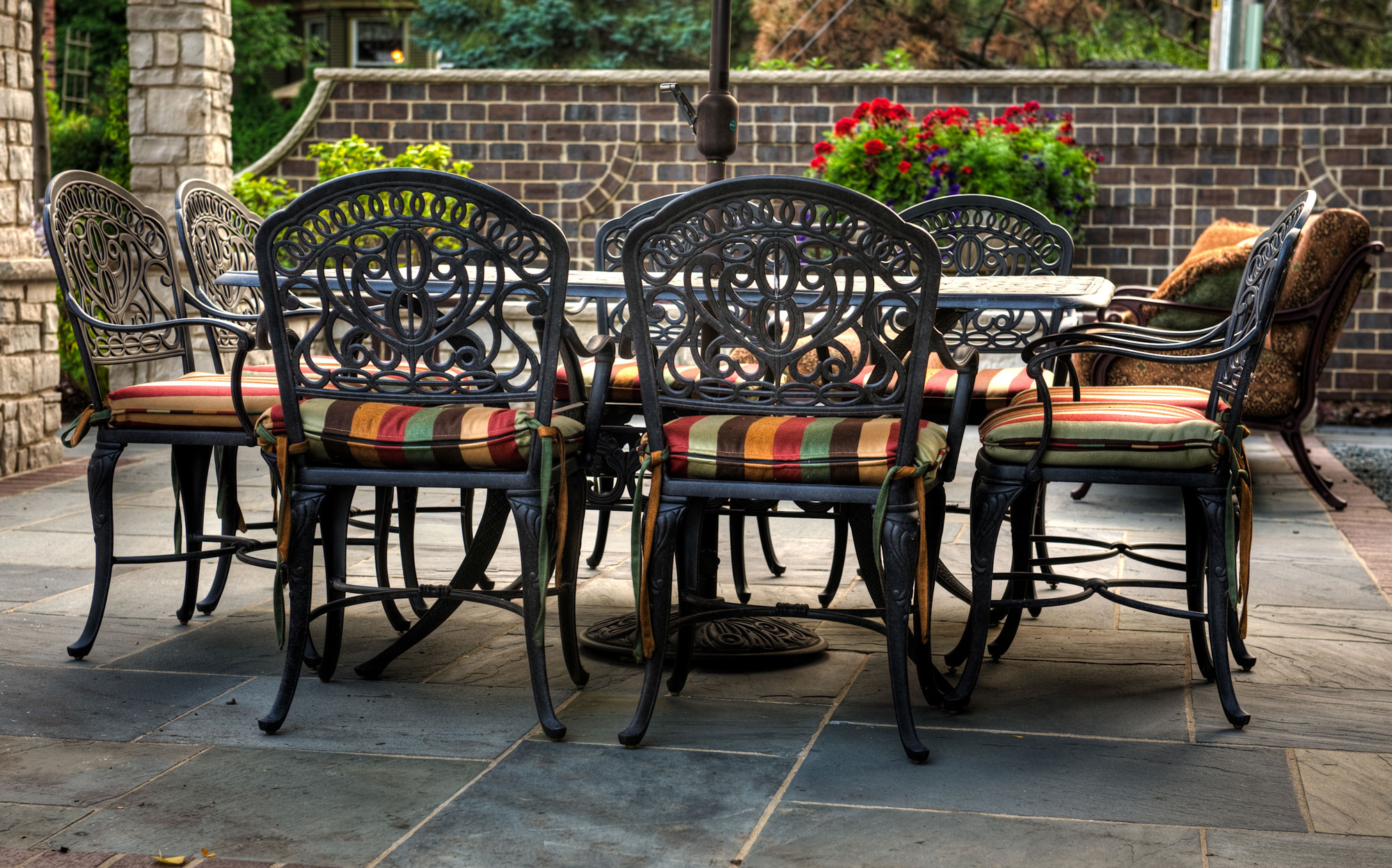Outdoor-Table-Chairs-2000x1.jpg