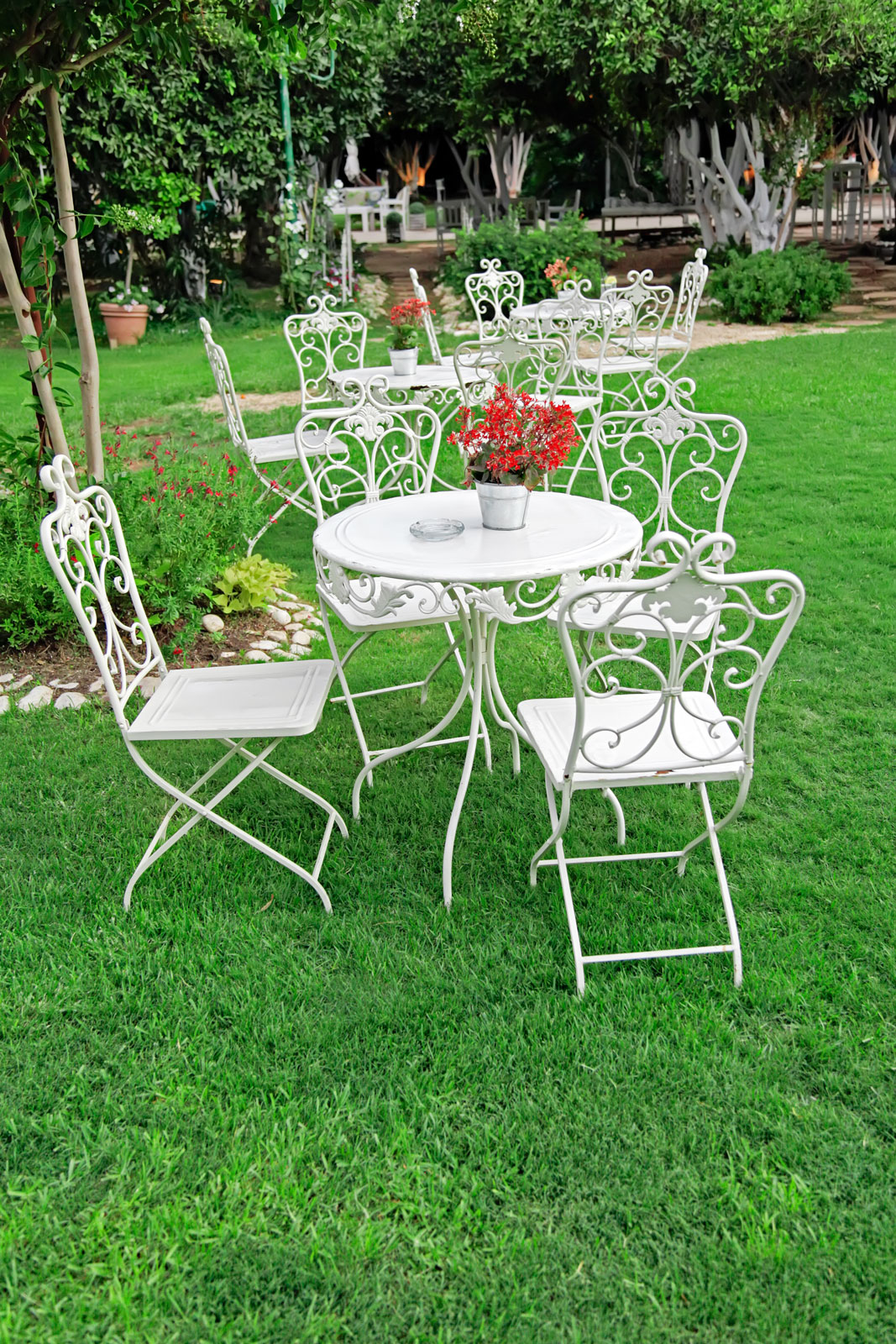 White-Patio-Tables-1067x160.jpg