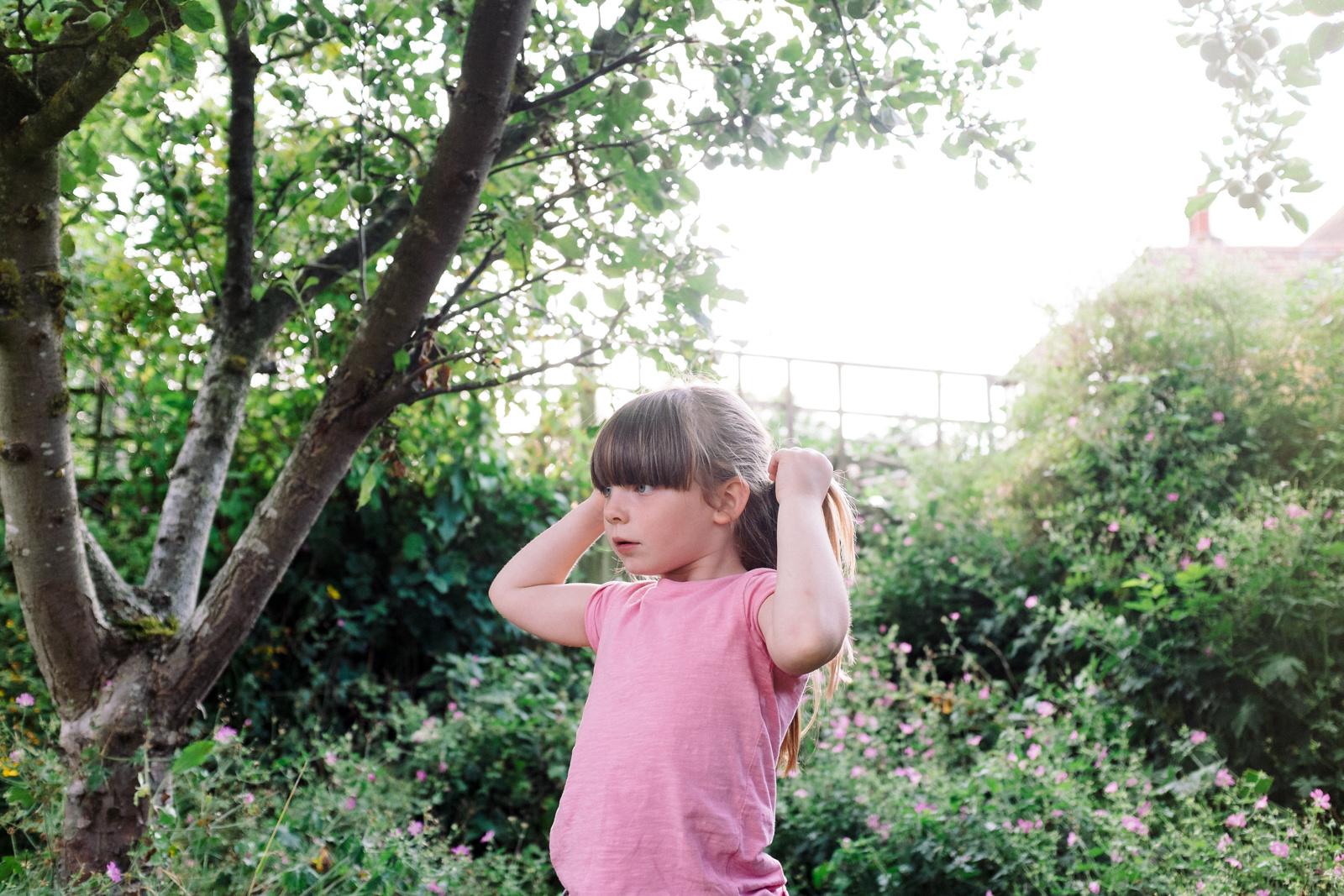 apple-picking-in-the-garden-05.jpg