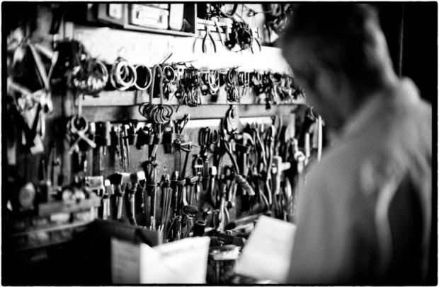 JASON SHOT IN HIS STUDIO PHOTO BY RUEDIGER GLATZ