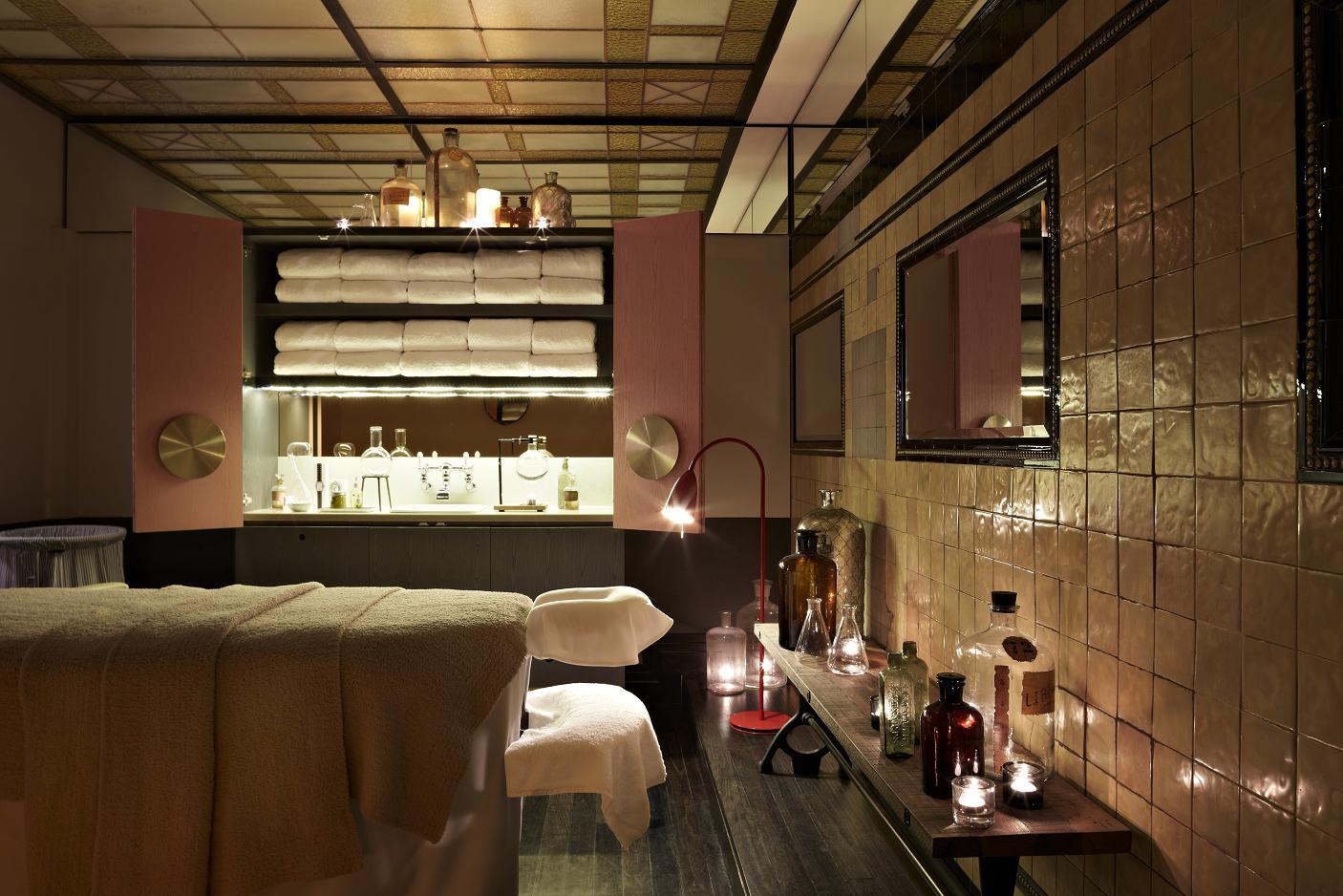 QT_Sydney_Private_Treatment_Room 20x copy.JPG