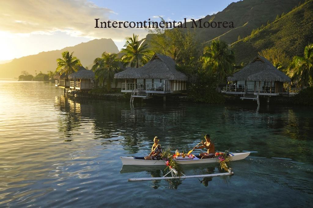 InterContinental-Moorea-Canoe1.jpg