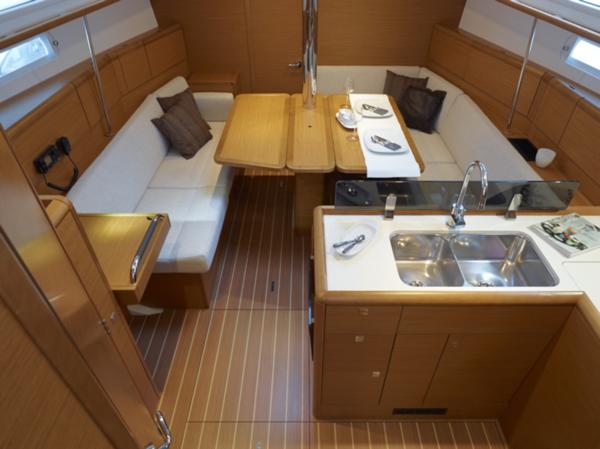 boat-379_interieur_20110615123247.jpg
