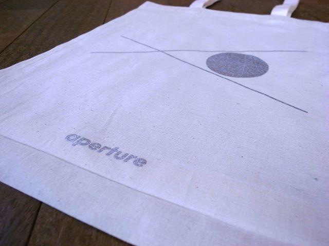 Aperture / Shopping bag