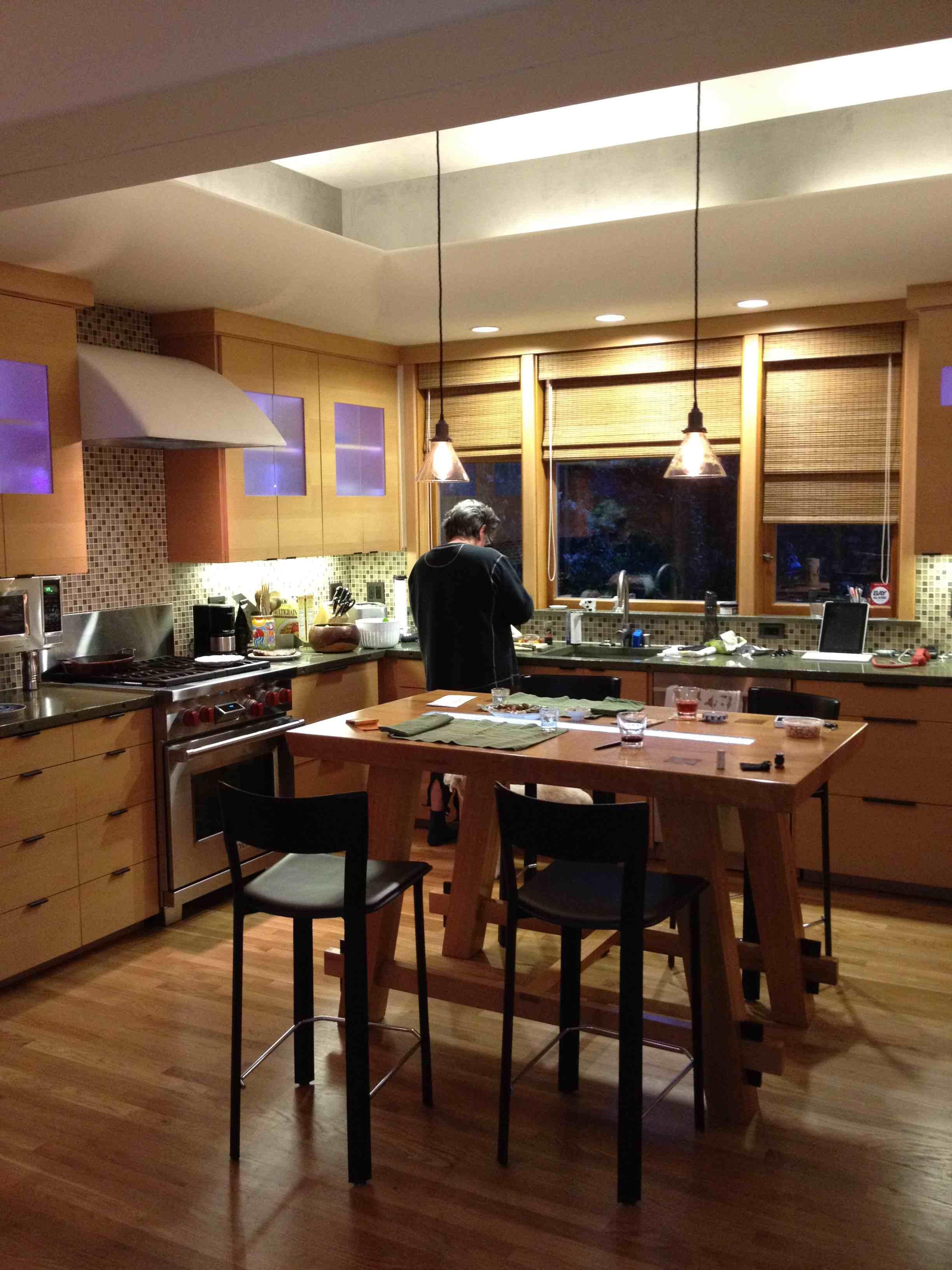 island kitchen small.jpg