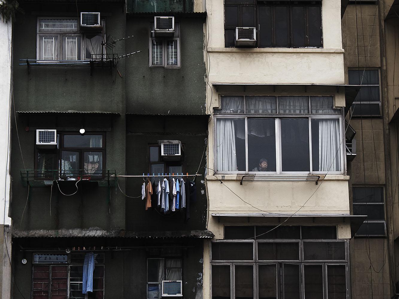 HK_woman in window1111.jpg