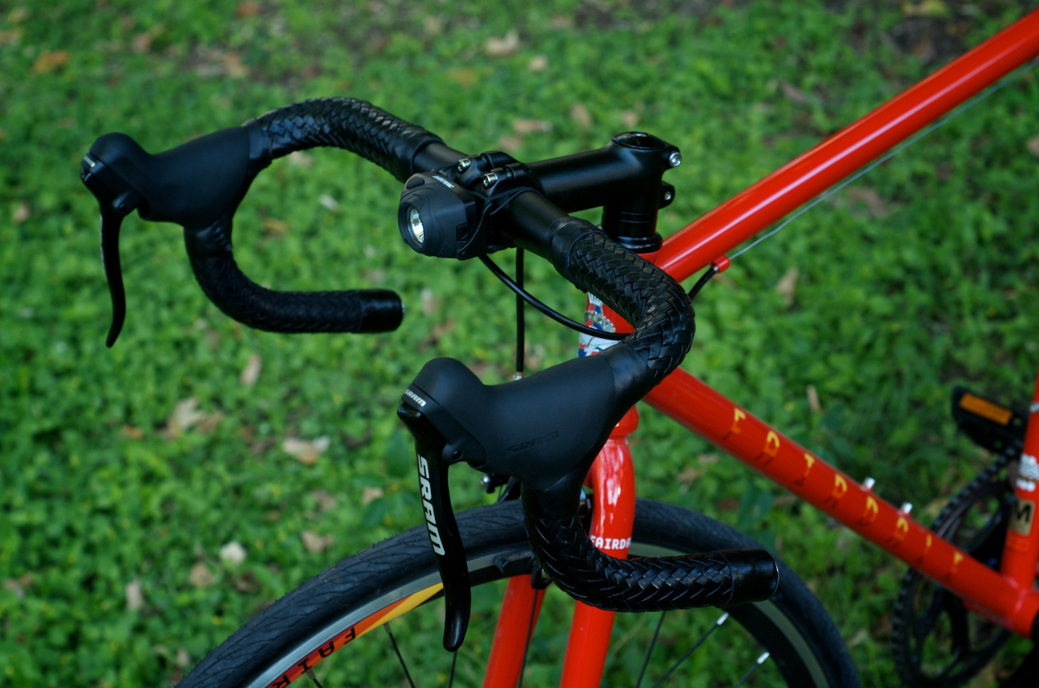 Leh-Seats-leather-custom-bikes-bikeporn-fairdale-parser-express-fixie-singlespeed-trackbike-cycling-braided-barwrap-handlebar-wrap-brooks 1.jpg