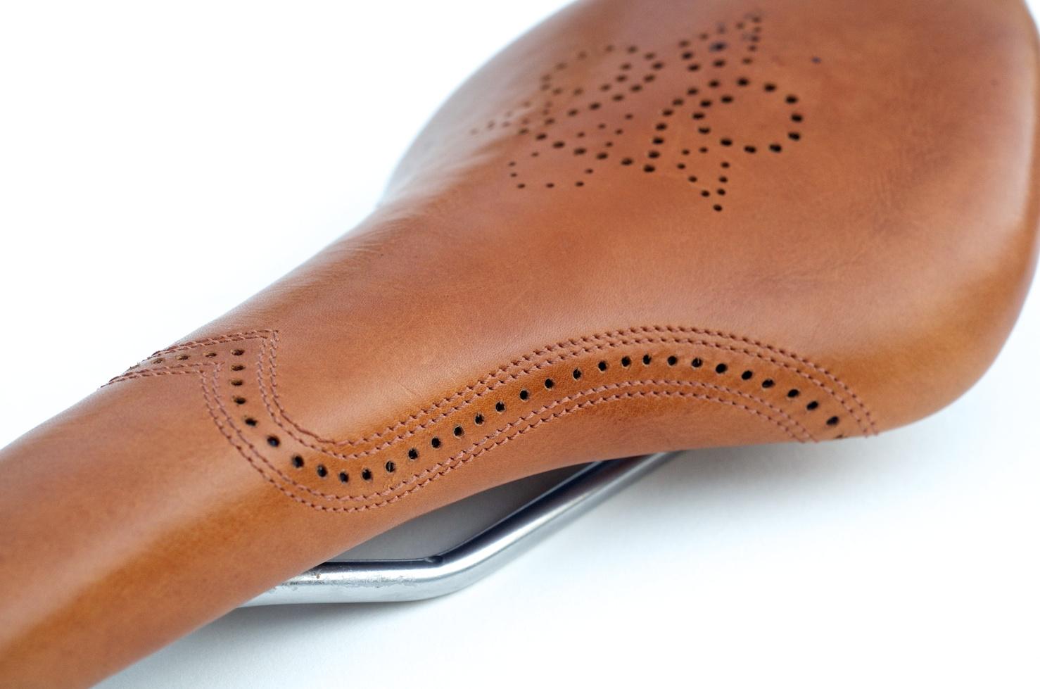 Leh-Seats-carson-leather-bike-seat-custom-oxford-brogue-shoe-saddle-bike-bicycle-brooks-hand-made 5.jpg