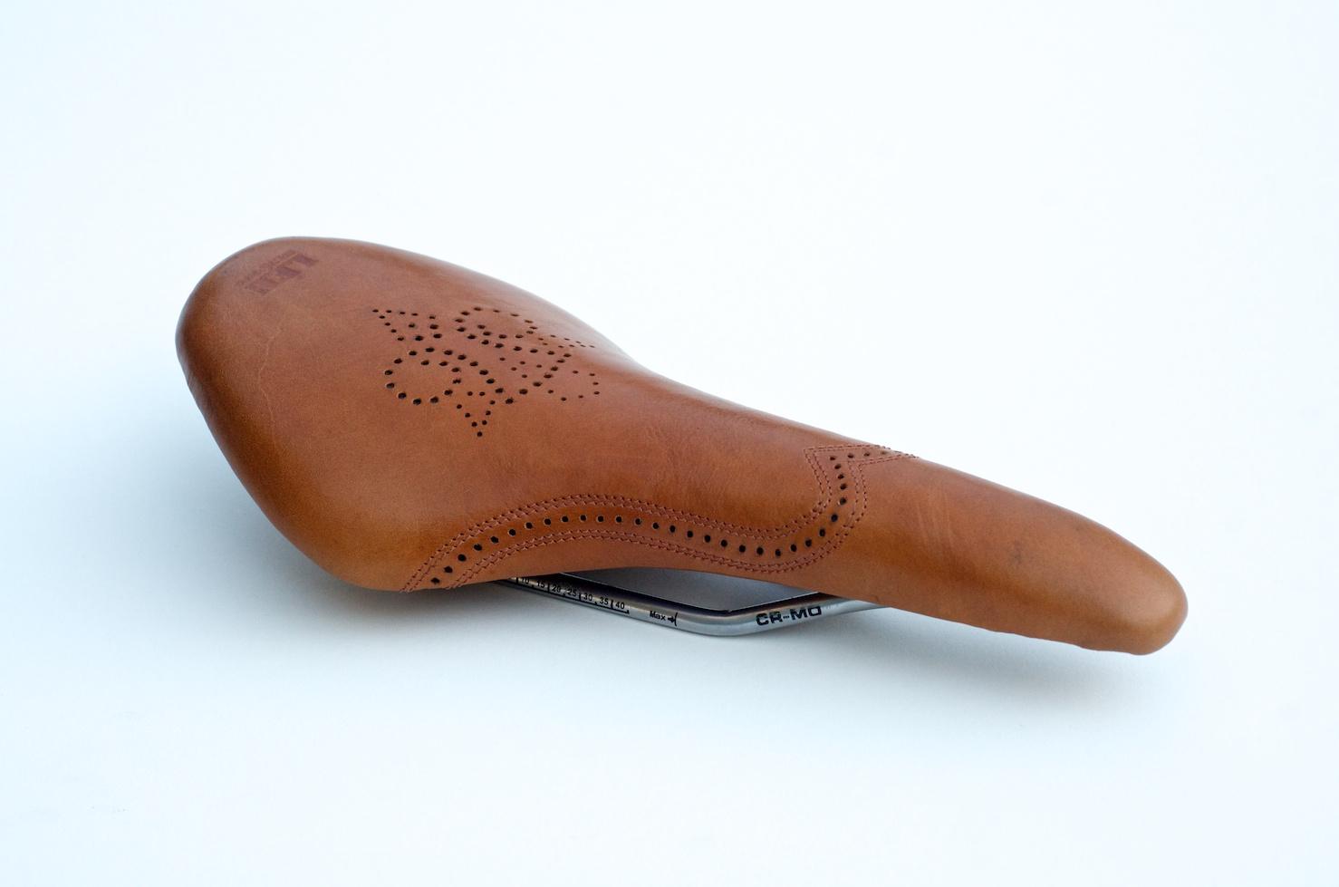 Leh-Seats-carson-leather-bike-seat-custom-oxford-brogue-shoe-saddle-bike-bicycle-brooks-hand-made 10.jpg