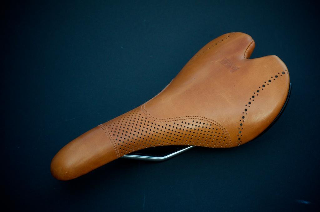 Fizik-Aliante-Gamma-K-ium-Carbon-Italian-leather-Custom-handmade-bike-bicylcle-fixie-saddle-seat-brogue-shoe-dress-style-menswear-Leh-seats-recovered-covered-reupholstered-made-in-austin-texas 6.jpg