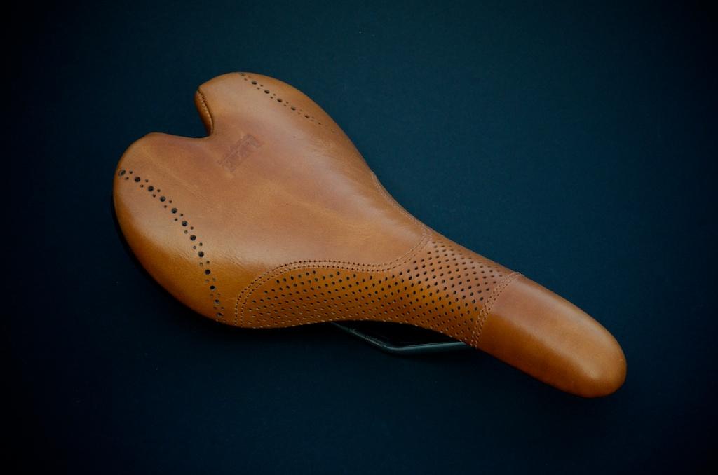 Fizik-Aliante-Gamma-K-ium-Carbon-Italian-leather-Custom-handmade-bike-bicylcle-fixie-saddle-seat-brogue-shoe-dress-style-menswear-Leh-seats-recovered-covered-reupholstered-made-in-austin-texas 5.jpg