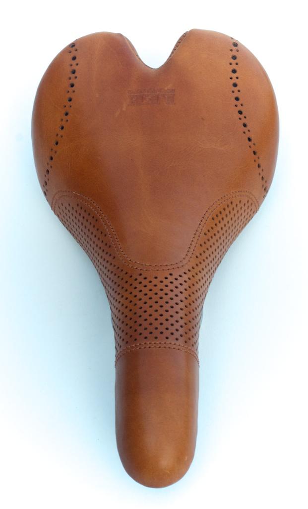 Fizik-Aliante-Gamma-K-ium-Carbon-Italian-leather-Custom-handmade-bike-bicylcle-fixie-saddle-seat-brogue-shoe-dress-style-menswear-Leh-seats-recovered-covered-reupholstered-made-in-austin-texas 4.jpg