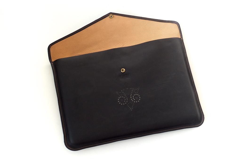 hand-made-usa-texas-austin-leather-black-gold-silk-lined-snap-macbook-macbookpro-retina-13%22-15%22-case-laptop-case-luxury-italian-brogue-leh-carson-style 2.jpg