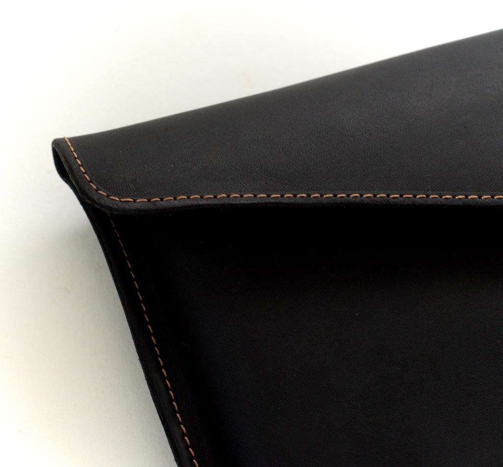 hand-made-usa-texas-austin-leather-black-gold-silk-lined-snap-macbook-macbookpro-retina-13%22-15%22-case-laptop-case-luxury-italian-brogue-leh-carson-style 4.jpg