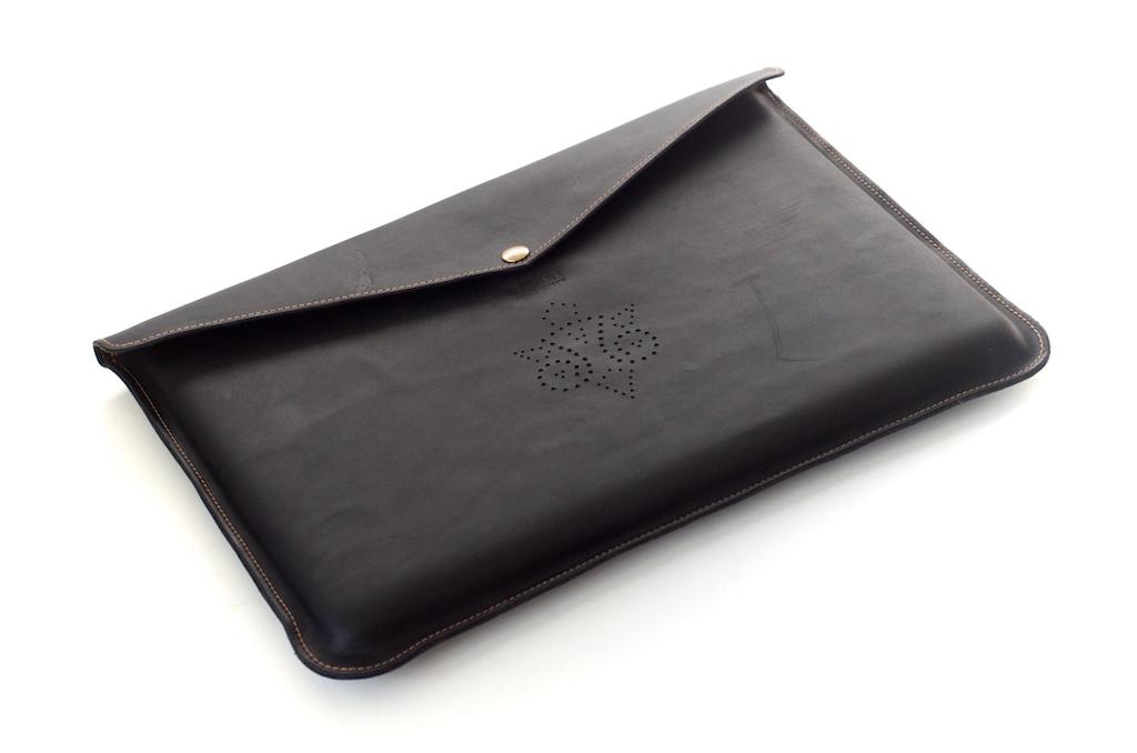 hand-made-usa-texas-austin-leather-black-gold-silk-lined-snap-macbook-macbookpro-retina-13%22-15%22-case-laptop-case-luxury-italian-brogue-leh-carson-style 5.jpg