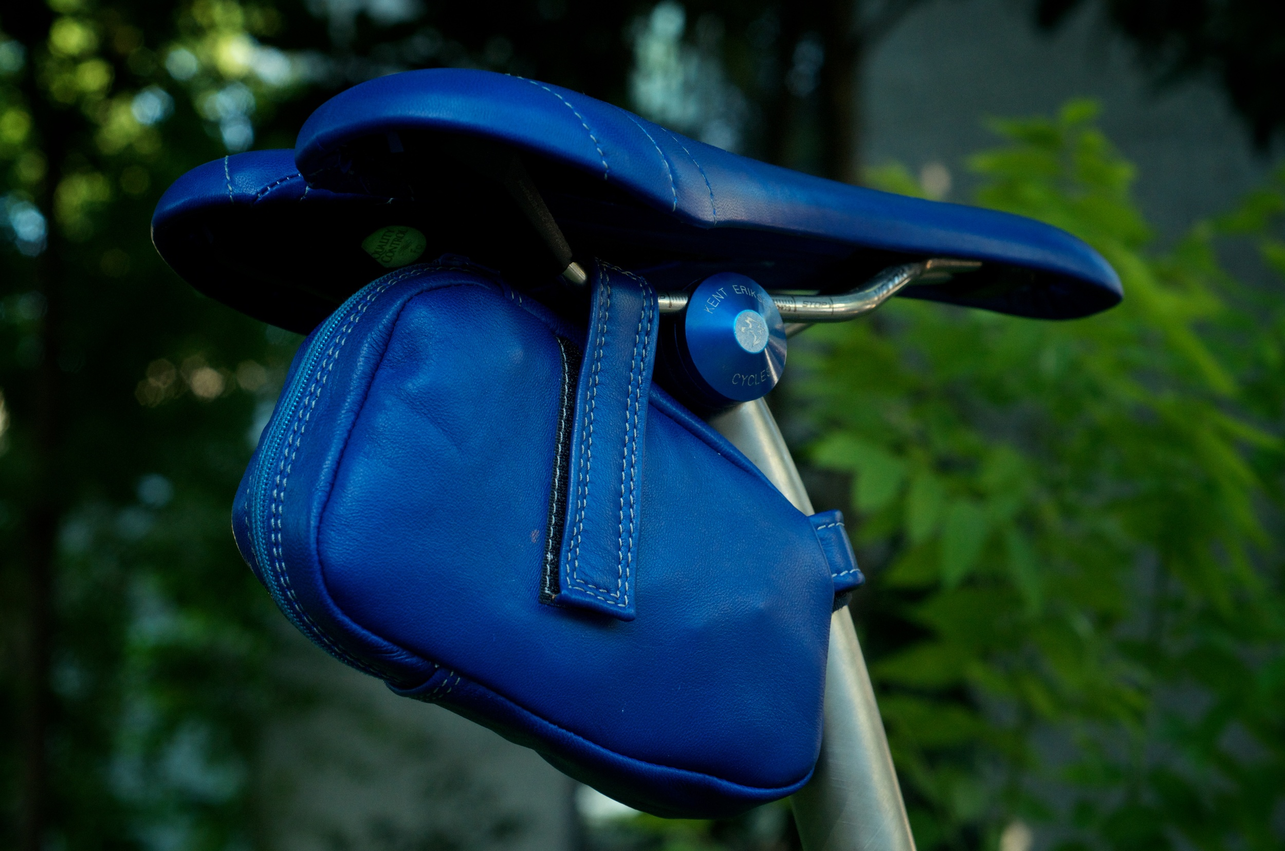 Custom-blue-leather-Selle_Italia-SLK-recover-repair-saddle-bag-handmade-Austin-texas-Willits-eriksen-vintage-brooks-busyman-grey-seat-vintage 4.jpg