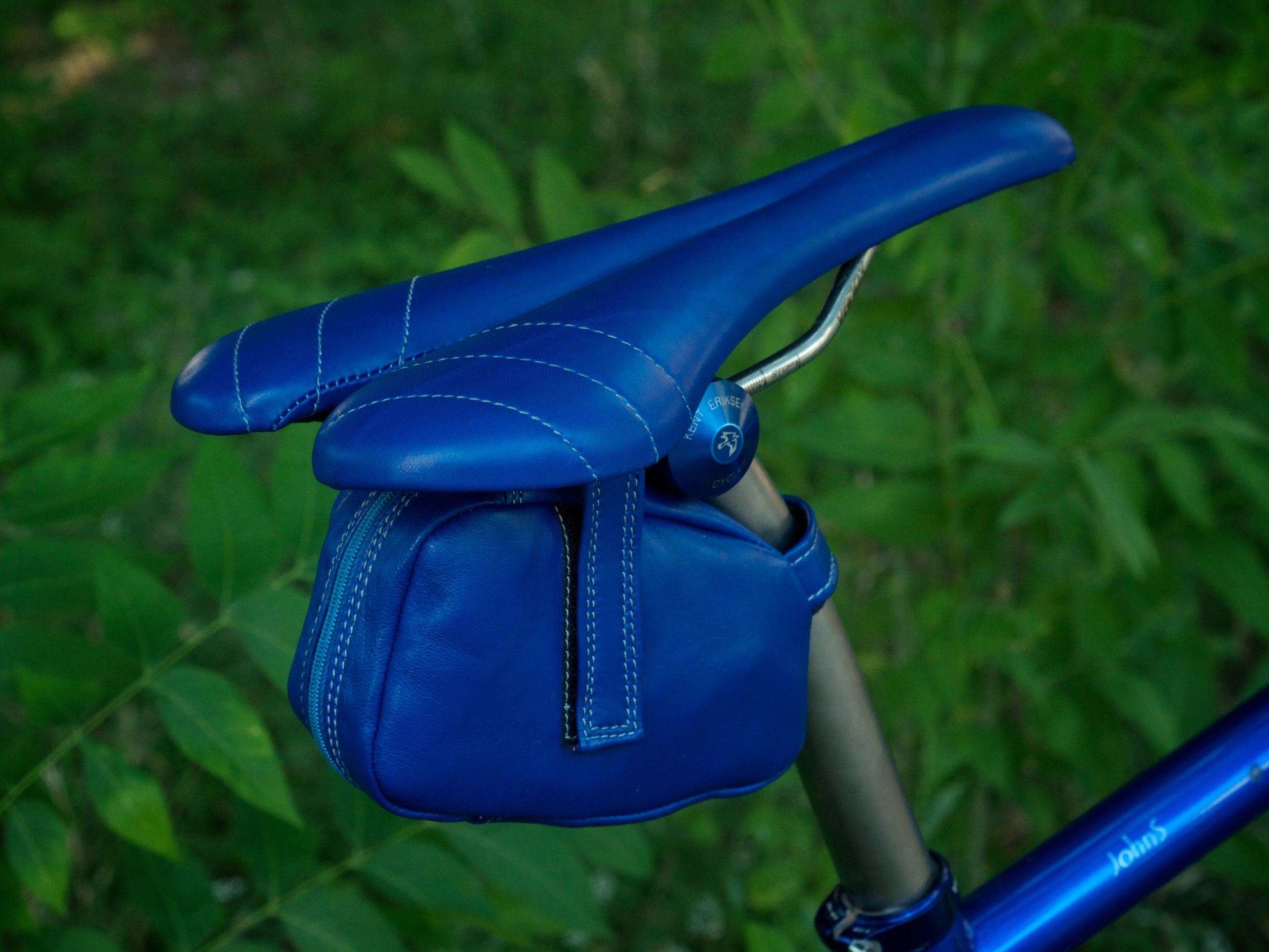 Custom-blue-leather-Selle_Italia-SLK-recover-repair-saddle-bag-handmade-Austin-texas-Willits-eriksen-vintage-brooks-busyman-grey-seat-vintage 2.jpg