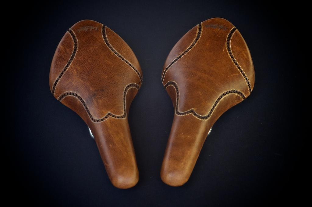 Antique-Brown-leather-fizik-Arione-wingtip-brogue-shoe-handmade-Austin-texas-Leh-seats 7.jpg