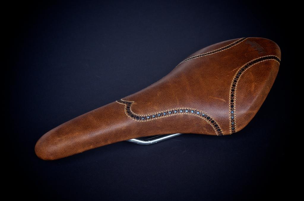 Antique-Brown-leather-fizik-Arione-wingtip-brogue-shoe-handmade-Austin-texas-Leh-seats 5.jpg