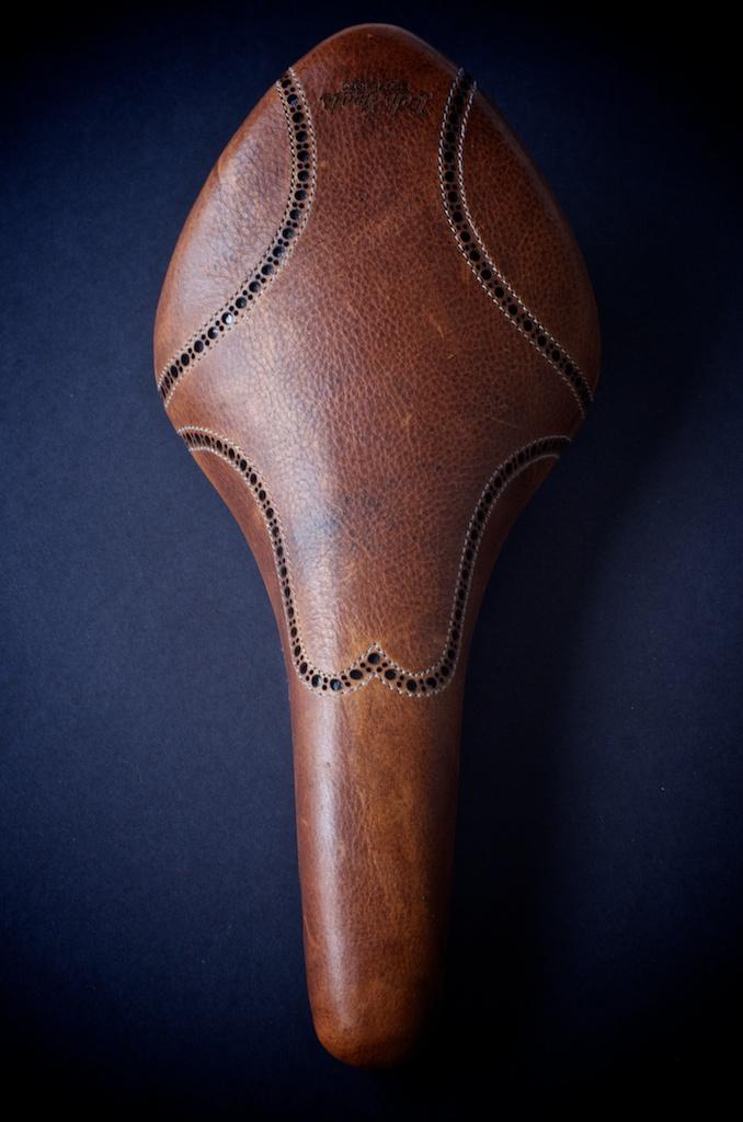 Antique-Brown-leather-fizik-Arione-wingtip-brogue-shoe-handmade-Austin-texas-Leh-seats 2.jpg