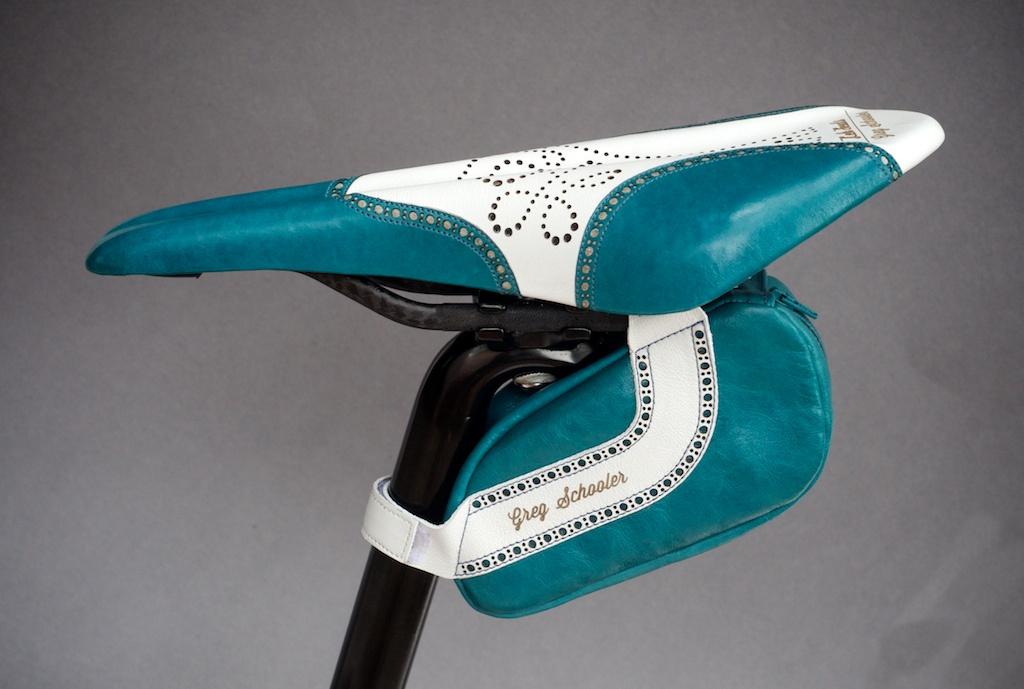 Leh-Seats-Custom-leather-bike-saddles-seats-hand-made-by-carson-leh-Austin-Texas-wingtip-brogue-leather-goods-fizik-Arione-vs-vsx-carbon-blue-white-wingtip-brogue-saddlebag-bar wrap 19.jpg