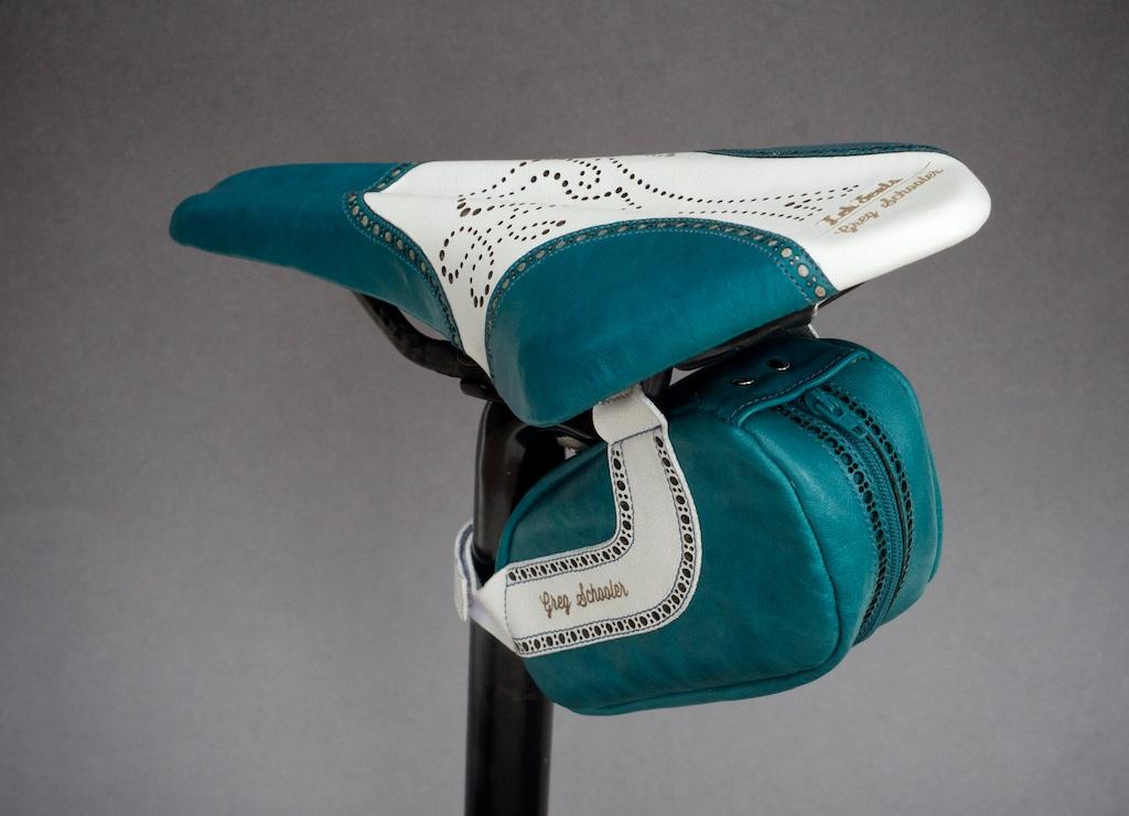Leh-Seats-Custom-leather-bike-saddles-seats-hand-made-by-carson-leh-Austin-Texas-wingtip-brogue-leather-goods-fizik-Arione-vs-vsx-carbon-blue-white-wingtip-brogue-saddlebag-bar wrap 18.jpg