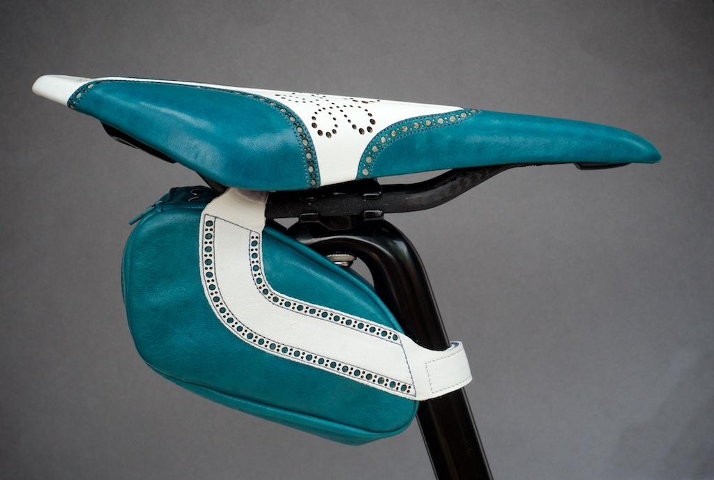 Leh-Seats-Custom-leather-bike-saddles-seats-hand-made-by-carson-leh-Austin-Texas-wingtip-brogue-leather-goods-fizik-Arione-vs-vsx-carbon-blue-white-wingtip-brogue-saddlebag-bar wrap 15.jpg