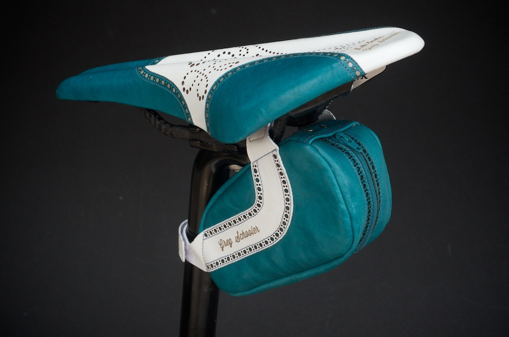 Leh-Seats-Custom-leather-bike-saddles-seats-hand-made-by-carson-leh-Austin-Texas-wingtip-brogue-leather-goods-fizik-Arione-vs-vsx-carbon-blue-white-wingtip-brogue-saddlebag-bar wrap 9.jpg