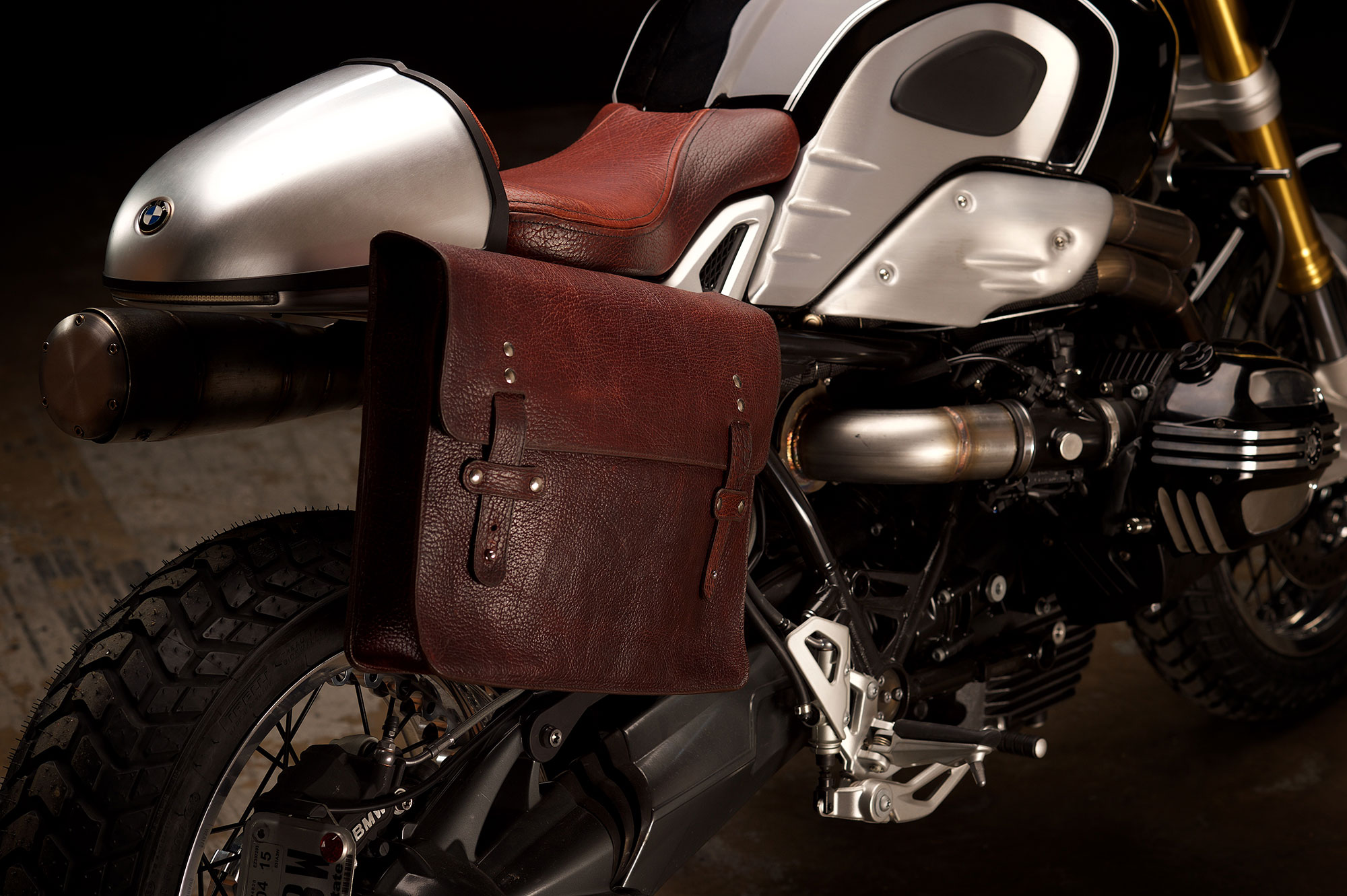 Revival-Cycles-Custom-Build-2014-BMW-RNineT-v2-066-2000w.jpg