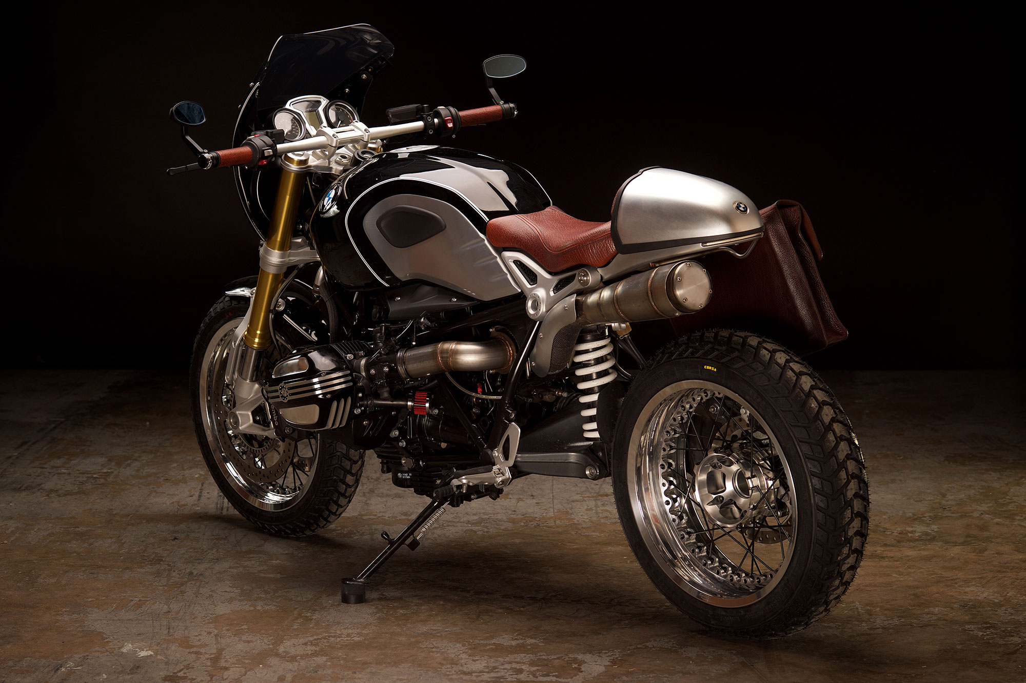 Revival-Cycles-Custom-Build-2014-BMW-RNineT-v2-079-2000w.jpg