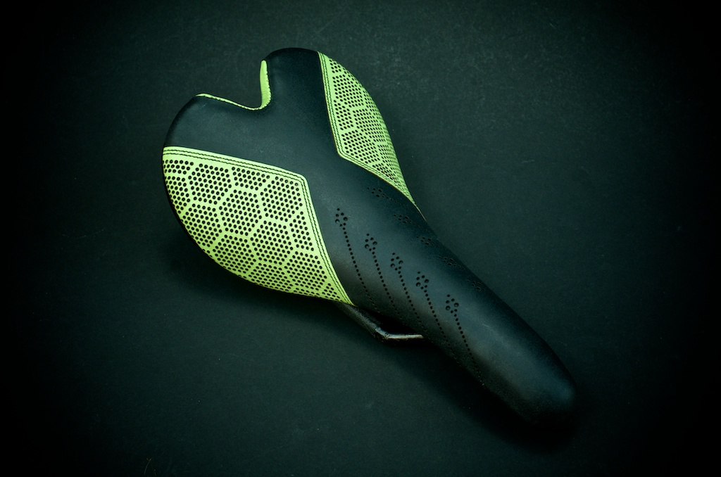 Custom-leather-honeycomb-lime-cannondale-pro-green-black-carbonfiber-Fizik-Aliante-carbon-lightweight-leather-recover-repaired-upholstered-custom-motorcycle seat 1.jpg