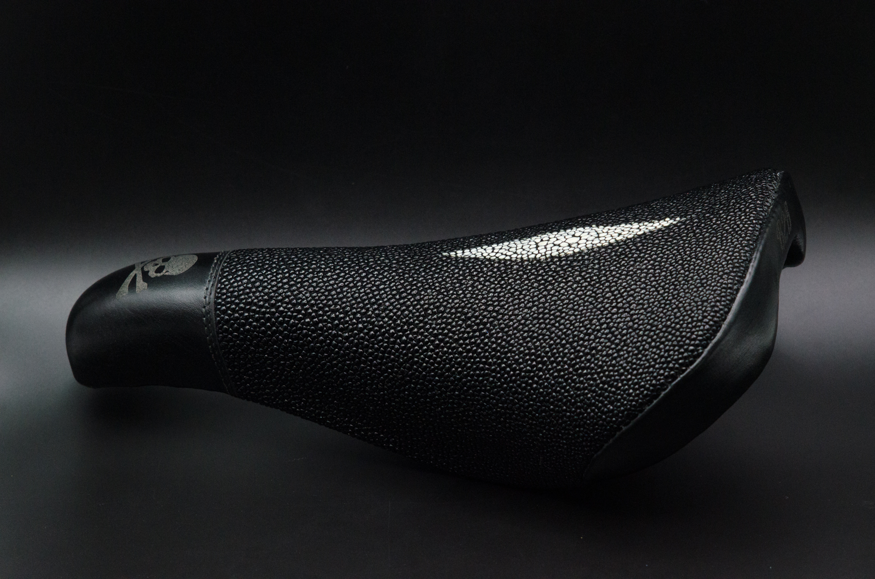 Leh cycling goods leather stingray saddle custom black skull and cross bones -8.jpg