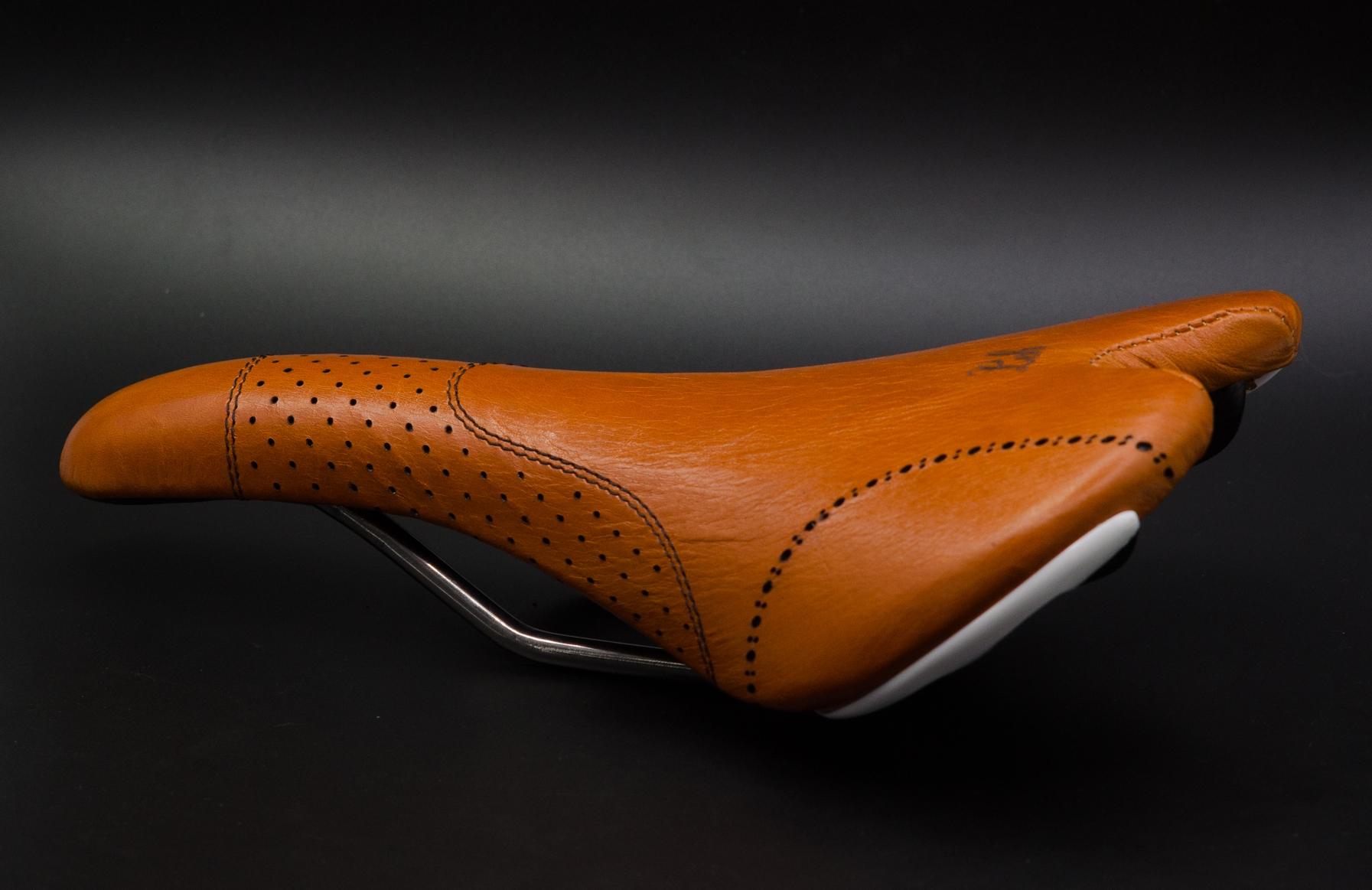 Fizik-aliante-leh-cycling-goods-mango-oceanblue-custom-bike-saddle-5.jpg
