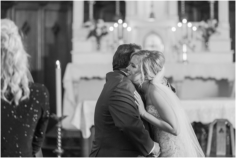 timeless-grosse-pointe-academy-wedding-photos-in-grosse-pointe-mi-by-courtney-carolyn-photography_0030.jpg