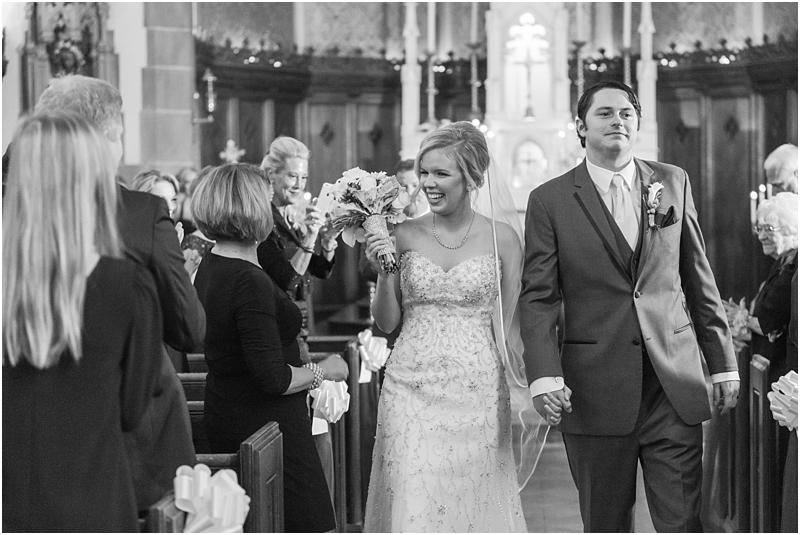 timeless-grosse-pointe-academy-wedding-photos-in-grosse-pointe-mi-by-courtney-carolyn-photography_0032.jpg
