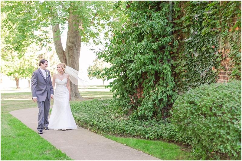 timeless-grosse-pointe-academy-wedding-photos-in-grosse-pointe-mi-by-courtney-carolyn-photography_0037.jpg