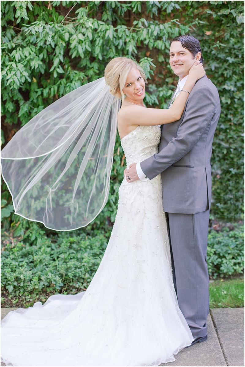 timeless-grosse-pointe-academy-wedding-photos-in-grosse-pointe-mi-by-courtney-carolyn-photography_0064.jpg